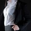 Девушки в деловой одежде