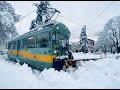 Cargo Tram Zürich | Schneepflug | Führerstandsmitfahrt,People & Blogs,,Wintereinbruch! Die Cargo Tram hat 4 Motoren mit je 72 PS, womit der Schnee locker beiseite geschoben werden kann.